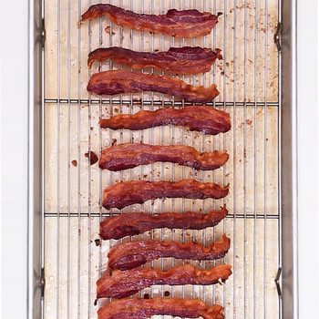 How to Cook Crisp Smoky Bacon
