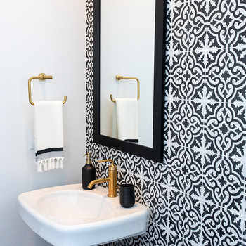 The Accent Wall: A Simple Design Idea That Will Change Your Entire Bathroom