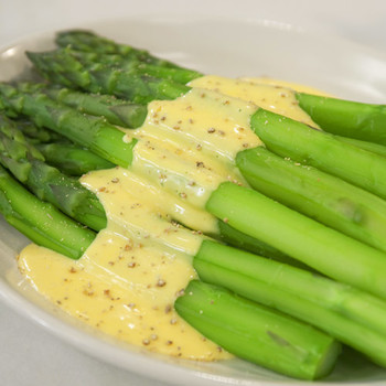 Asparagus with Easy Hollandaise