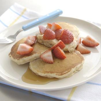 Cinnamon-Oat Pancakes