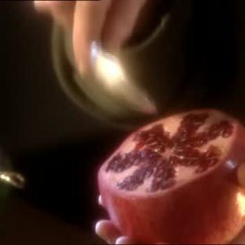 Juicing a Pomegranate