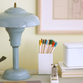 How to Paint a Metal Lamp Video