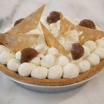Chestnut Pie with Rum Cream