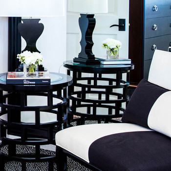 Simple as Black and White: Bed and Bathroom Design Done Right