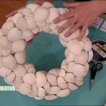 Hard Clam Shell Wreath