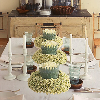 Cake-Stand Centerpiece