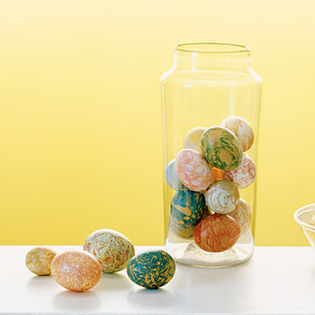 Marbleizing Eggs