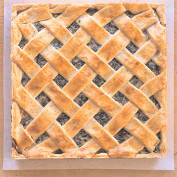 bakinghandbook_easterpie.jpg