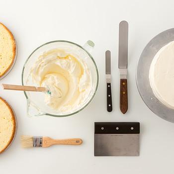 How to Crumb-Coat a Cake