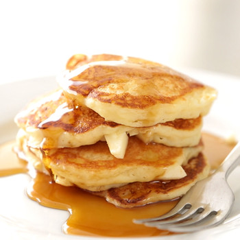 Apple-Buttermilk Pancakes