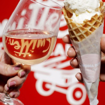 icecream-wine-cheers-0717.jpg (skyword:462370)