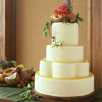 Cakes with Fruit: Tropical Wedding Cake