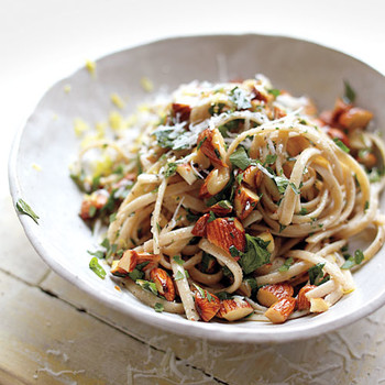 Linguine with Toasted Almonds, Parsley, and Lemon