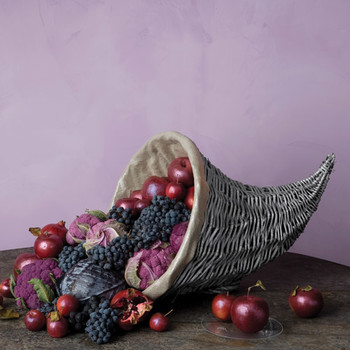 10 Thanksgiving Centerpieces Befitting the Harvest Feast