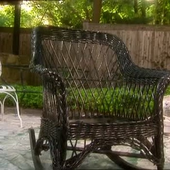 Painting Outdoor Furniture: Wicker