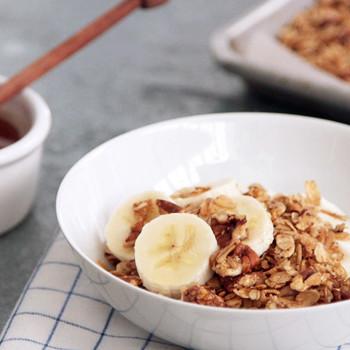 Crunchy Honey-Pecan Granola