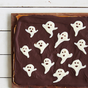 Halloween Ghost Toffee Is an Easy Spooky Treat