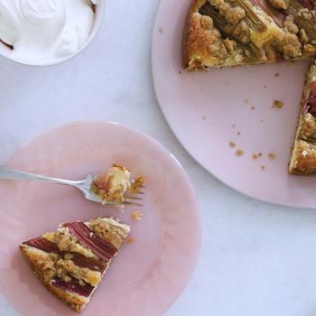 Rhubarb Crumb Cake Video