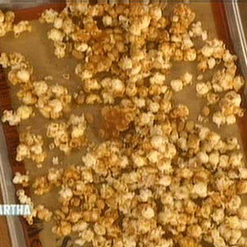 Sweet and Spicy Popcorn Crunch