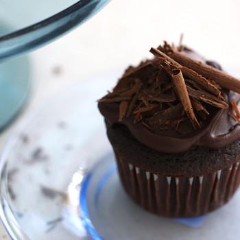 Devil's Food Cupcakes Video ST