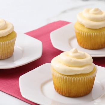 Vanilla Cupcakes Video