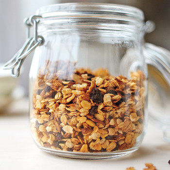 How to Make Granola: The Easiest and Most Delicious of DIY Projects