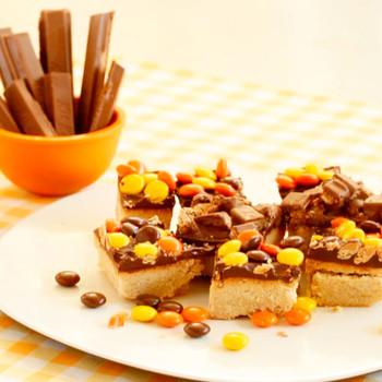 Halloween Candy Shortbread Bars