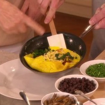 How to Make the Perfect Easter Breakfast Omelet