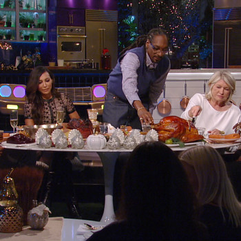 "A Sneak Peek of ""Martha & Snoop's Potluck Dinner Party"" Episode 103"