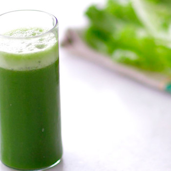 Cleansing Pineapple-Spinach Juice