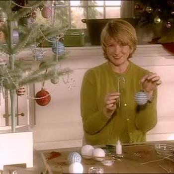 - Video: Making Beaded Christmas Ornaments Martha Stewart