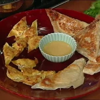 Emeril Lagasse Makes Crab Rangoons
