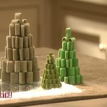Ribbon Christmas Tree Centerpieces