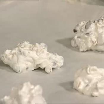 How to Make Common Meringue Cookies