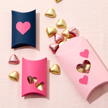 Incredibly Sweet Valentine's Day Favor Boxes
