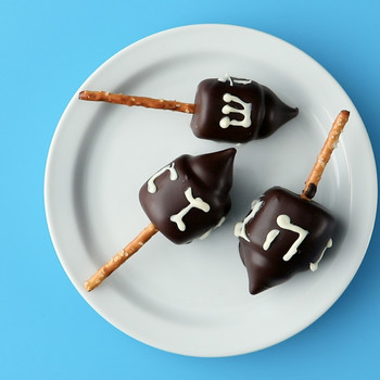 Chocolate-Dipped Marshmallow Dreidels