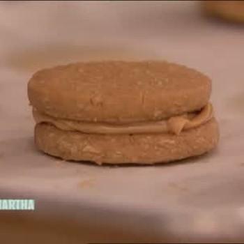 Crispy Peanut Butter Sandwich Cookies