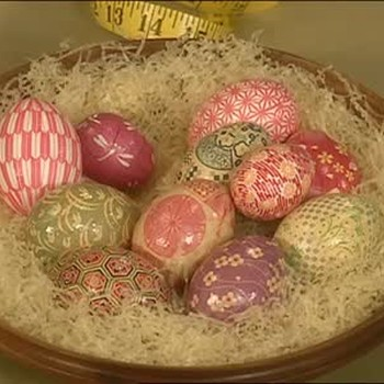 Decorating Japanese Paper Easter Eggs