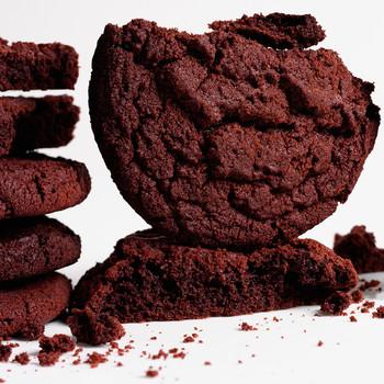 Giant chocolate sugar cookie
