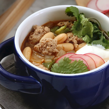 Turkey and White Bean Chili Video