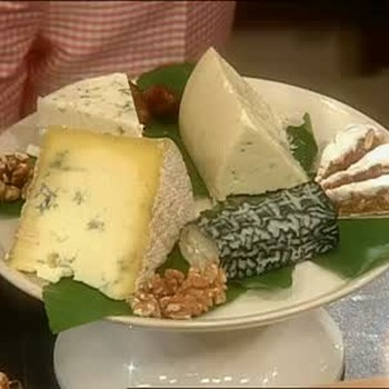 Achieving Variety with Cheese Platters