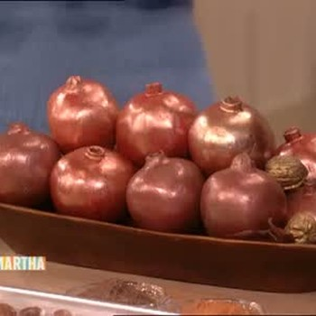 Simple Fruit and Nut Centerpieces with Cynthia Nixon
