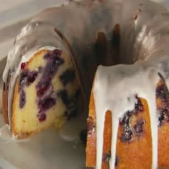 How to Make Blueberry-Lemon Bundt Cake