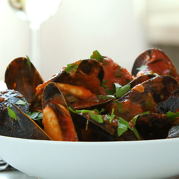 One-Pot Spicy Mussels and Chorizo OPW