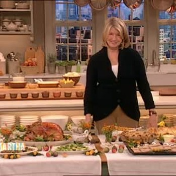 How to Set Up a Functional Buffet Table