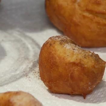Delicious Cinnamon and Sugar Dough Balls