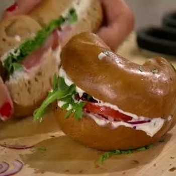Healthy Homemade Cream Cheese with Basil