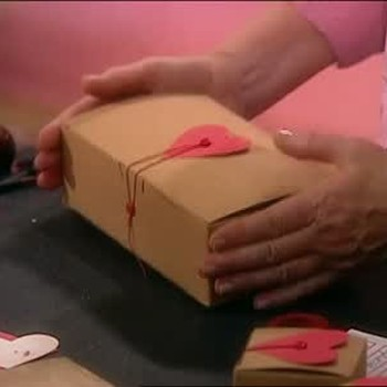 Good Thing: Making a Personalized Gift Box