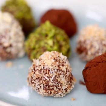 Vegan Dark Chocolate Coconut Oil Truffles