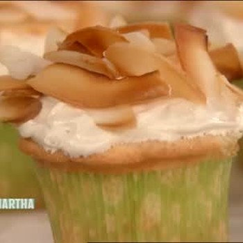 Seven-Minute Frosting for Coconut Cupcakes